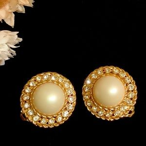 Clip on earrings round gold tone sparkle NEW